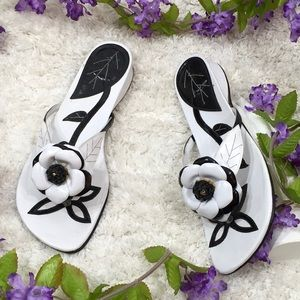 Zalo black and white leather sandals